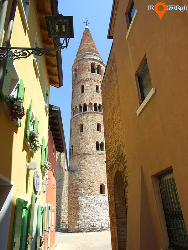 Włochy Caorle - Krzywa dzwonnica