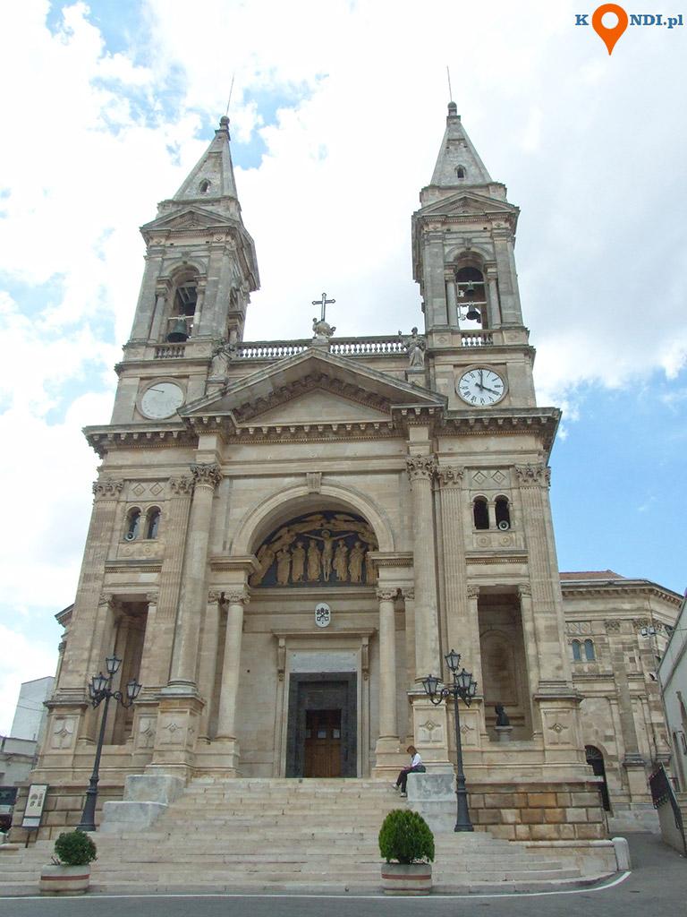 Włochy Alberobello - Bazylika Świętych Kosmy i Damiana