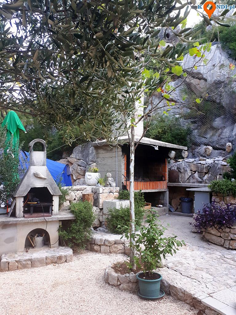 Chorwacja Krvavica - Camp Krvavica to mały, rodzinny kemping w otoczeniu przepięknej, dziewiczej przyrody