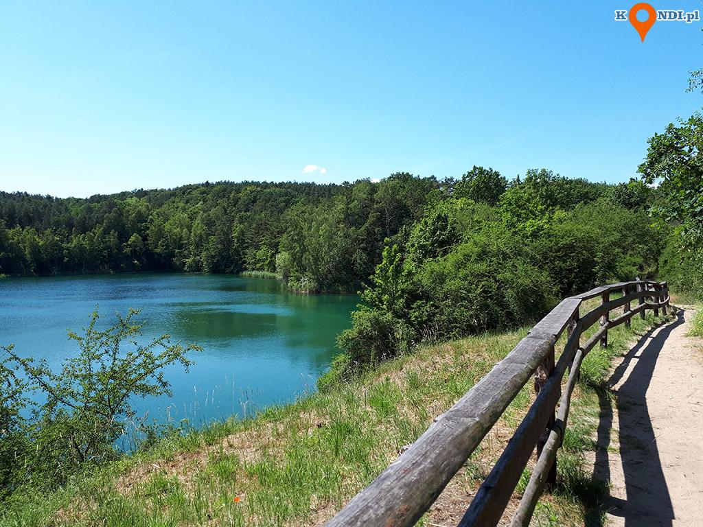 Polska Wapnica - Ścieżka spacerowa prowadząca dookoła jeziora to ciekawy pomysł na spędzenie popołudnia w ślicznych okolicznościach przyrody